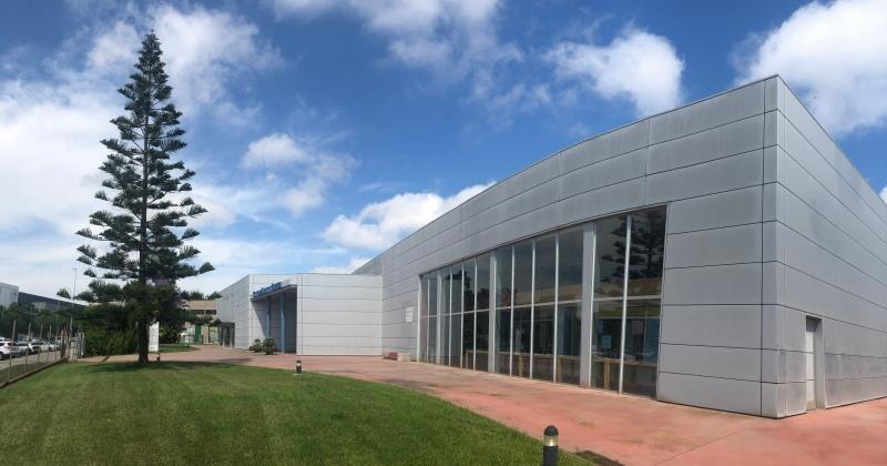Façana del Centre de Serveis a l'Empresa de Gavà